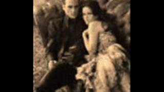 Johnny Cash and June sing Ring of Fire