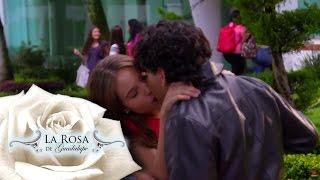 Agustina besa a Alejandro frente a Marcia   Un amor emprendedor   La Rosa de Guadalupe