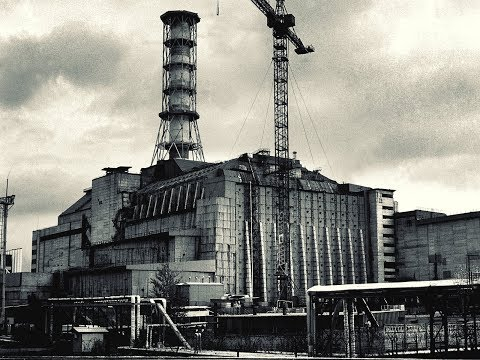 """Возведение """"Саркофага"""" над Чернобыльской Атомной Электро Станцией 1986 года."""