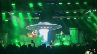 Concert For Aliens Live By Machine Gun Kelly