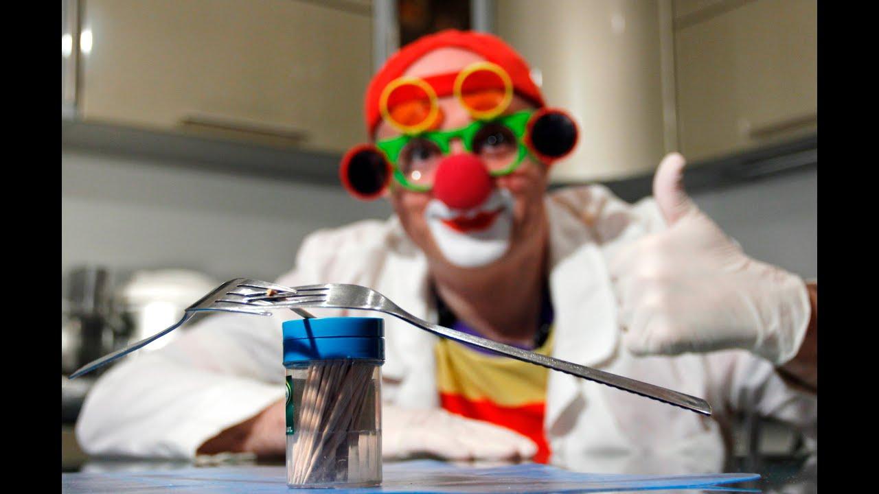 Клоун Дима для детей. Развивающее видео. Центр тяжести. Опыты и научные эксперименты для детей
