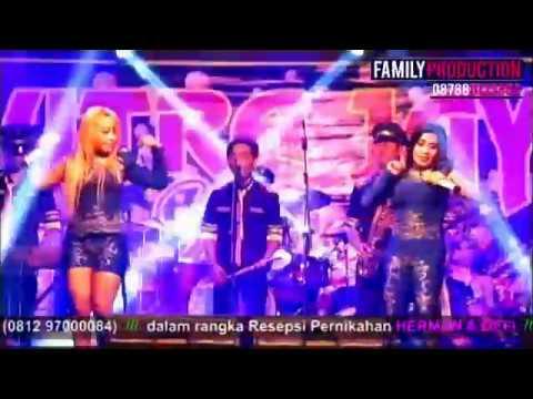 Putra Jaya - Duo Iblis - Goyang Heboh [Live Show Depok]