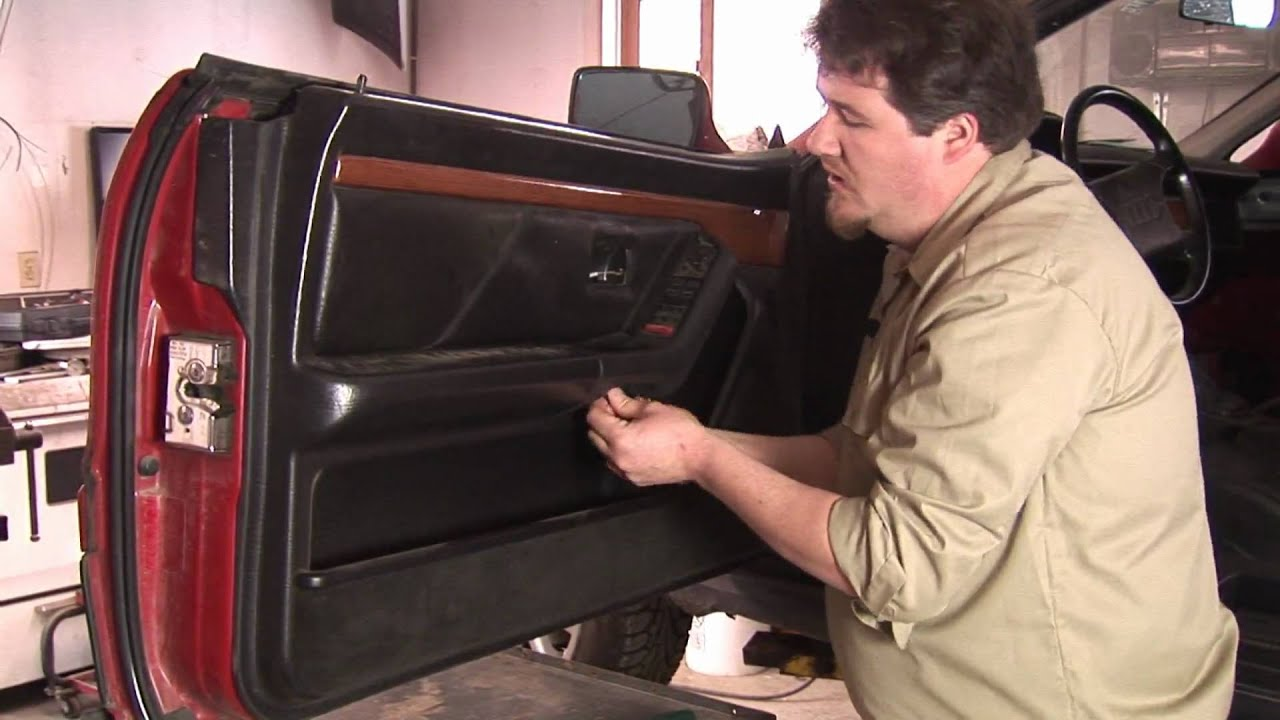auto repair mechanics how to remove a car door panel youtube. Black Bedroom Furniture Sets. Home Design Ideas