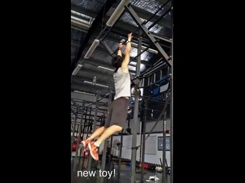 pull-ups at Saigon Sports Club