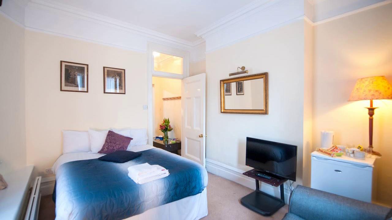 159 Knightsbridge Hotel United Kingdom Az Hotels