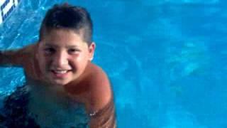 paco en la piscina 2009