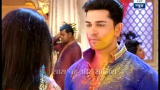Rachna and Kabir celebrate Holi in 'Sapne Suhaane...'