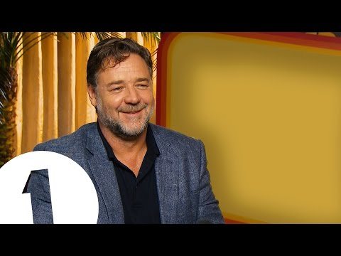 """It's the dumbest way possible to make a film"" - Russell Crowe on Gladiator"