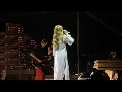 Moderation (new song) liveFlorence + the Machine