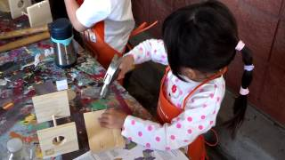 Home Depot Kids' Workshop - Bug House - Hammering nails (1/3)