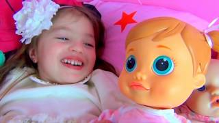 Dominika play with doll and Rinat