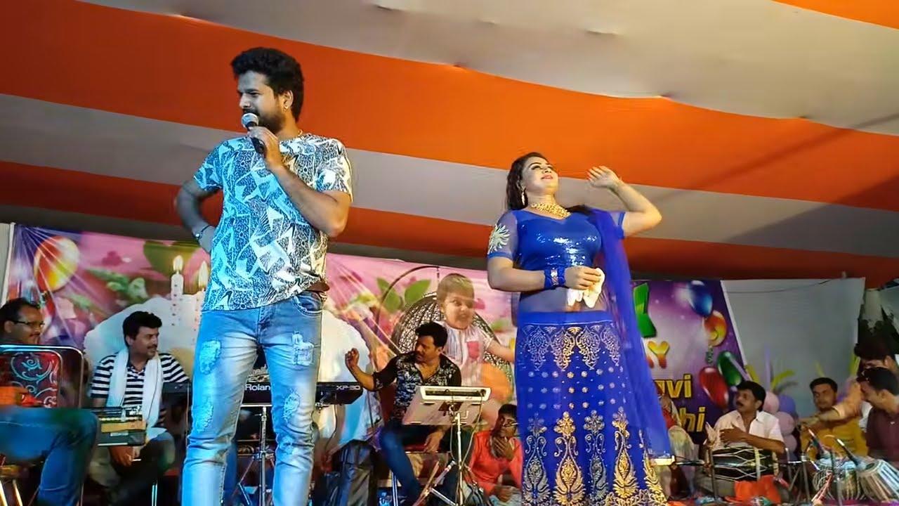 Download Ritesh Pandey और Tanu Shree ने किया जबरदस्त Dance -  Piywa Se Pahile Hamar Rahlu - Live Show