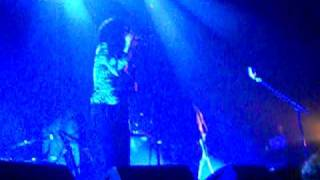 The Dead Weather- The Difference Between Us/I'm Mad