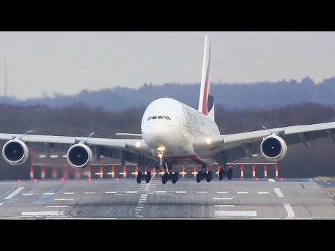 """airbus-a380-crosswind-difficulties---storm-""""axel"""""""