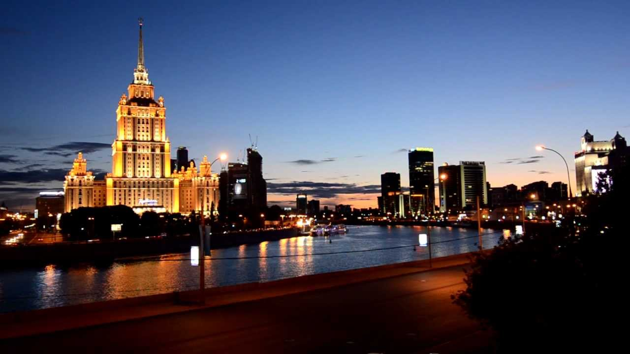 Moscow at night - YouTube