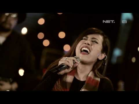 Novita Dewi - Musnah (Andra and The Backbone Cover) (Live at Music Everywhere) **
