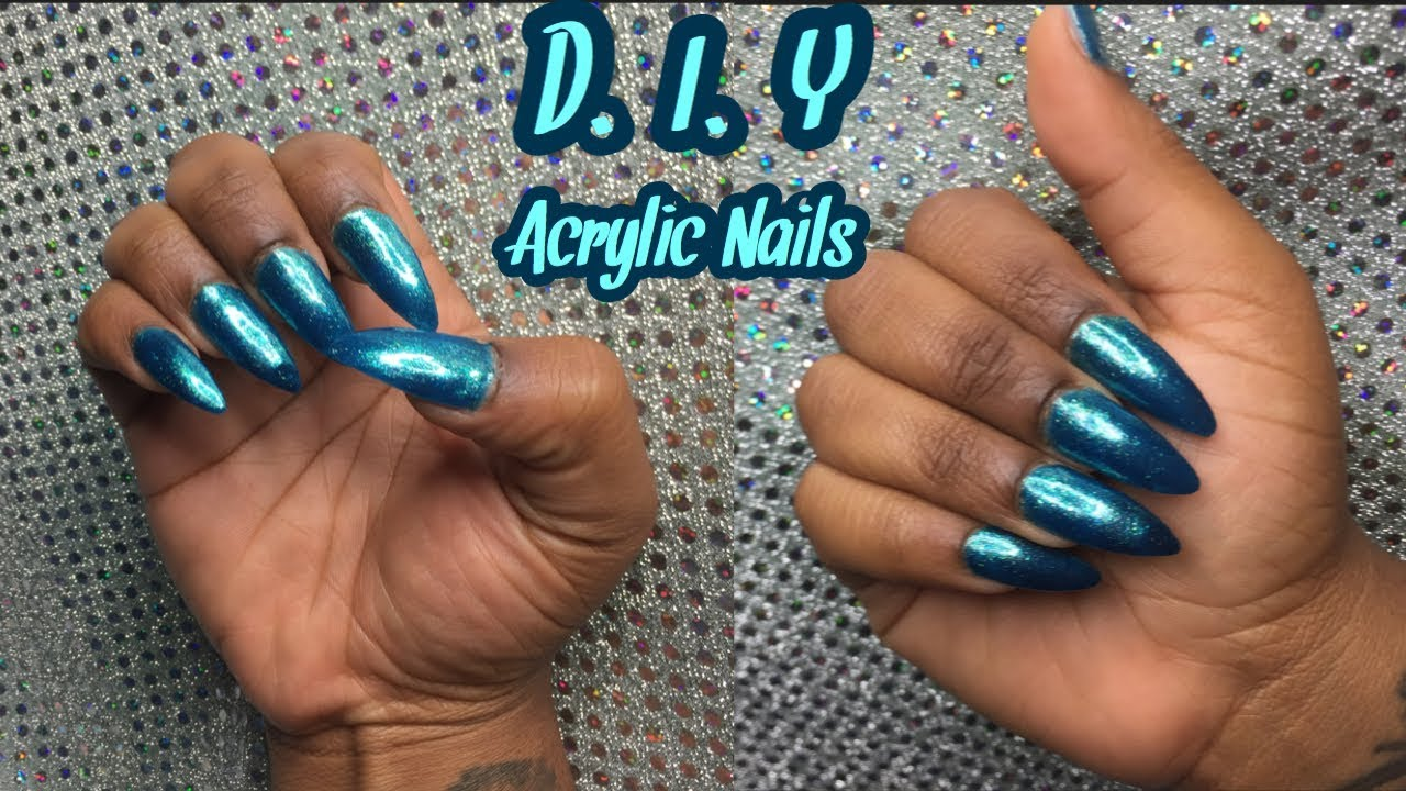 SAVE YOUR COINS SIS 🤑  HOW I DO MY NAILS AT HOME W/ KISS DIP ...