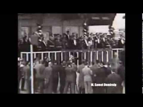 Atatürk 10.  Yıl Nutkunu Okumaya Giderken 1933