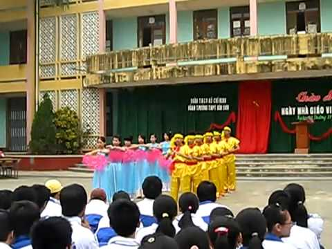 múa dân tộc DÂN NƯỚC NAM 11b9 THPT Bỉm Sơn 2011