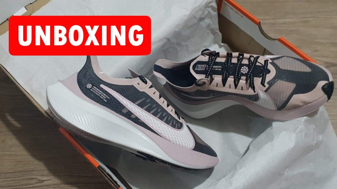 Escuela primaria Firmar Fragua  NIKE Zoom Gravity For #Women | UNBOXING + CLOSER LOOK #running #sneakers -  YouTube