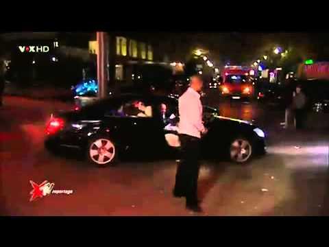 Perker bliver afvist foran Diskoteket i Tyskland (sjovt)
