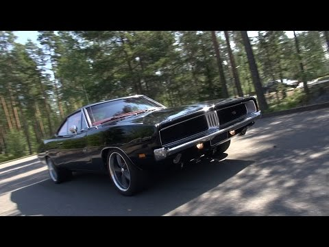 LOUD 1969 Dodge Charger R/T - amazing V8 sound!!