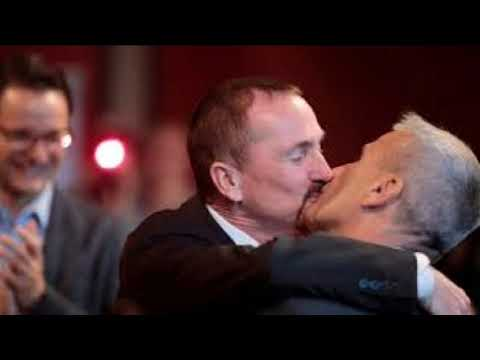 Germany gay marriage: Couple are first to marry under new law