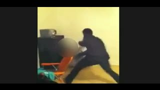 Repeat youtube video Father Beats Daughter's for Posting Twerking @hodgetwins