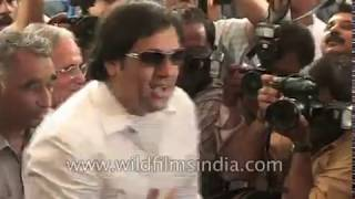 Bollywood celebrities in Indian Parliament: 2004 archival footage
