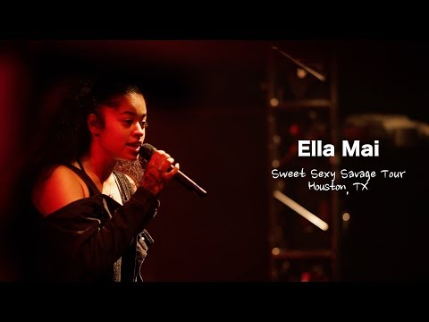 Ella Mai Performs 'Boo'd Up', 'She Don't' + Much More Live | Sweet Sexy Savage Tour