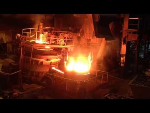 Трудовые будни сталеплавильного цеха