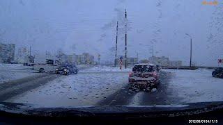 Волга не уступила дорогу карете скорой помощи. Северодвинск.