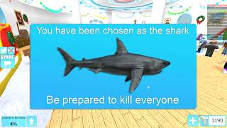 CHIPMUNK VS SUBMARINE VS GIANT SHARK ON ROBLOX (Mise à jour d'hiver SharkBite)
