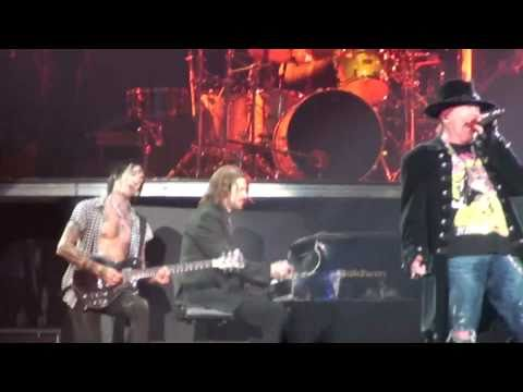 Guns N' Roses - 'Street Of Dreams' - live in Barcelona - 10/23/2010