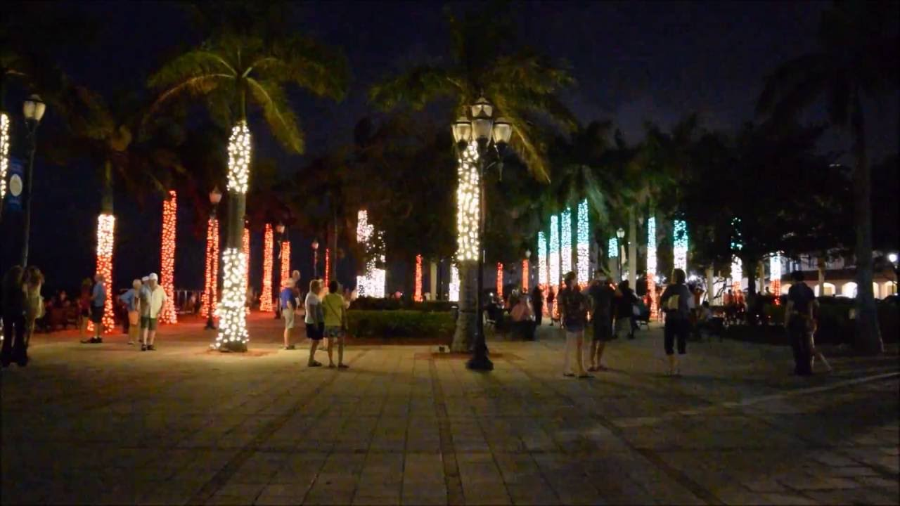 Christmas Light Show Lighted Palm Trees Synced With Music Fort Pierce FL Marina