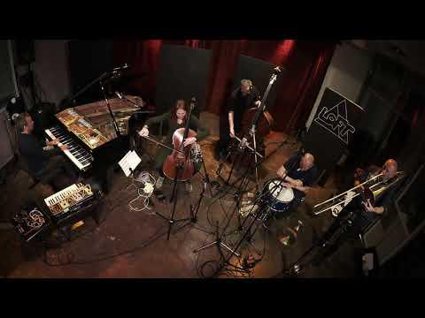 "Elisabeth Coudouxs ""Emißatett"" live at LOFT"
