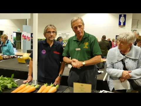 Harrogate Autumn Flower Show 2016 - Chat with former Chairman of the National Vegetable Society