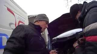 видео Проверка и регулировка зазров клапанов на Hyundai H-1/Starex. Инструкция как отрегулировать клапана на Стартексе