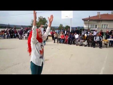 """Demirci Ortaokulundan muhteşem """"İstiklal Marşı"""" yorumu"""