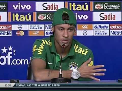 """Neymar sobre Balotelli """"Eu sou muito fã. Desejo sorte a ele, menos contra o Brasil"""""""