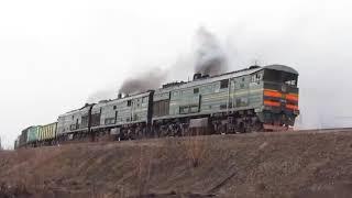 Potężna Radziecka Ukraińska Lokomotywa 3TE10М-1223 I 3TE10M-1388
