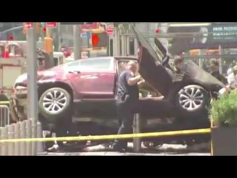 Times Square, New York car crash