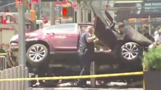 Times Square, New York car crash