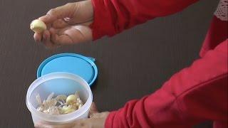 cara cepat dan praktis mengupas bawang putih tanpa pisau