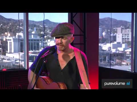 """Foy Vance """"Feel For Me"""" (PureVolume Sessions) Live Acoustic Performance"""