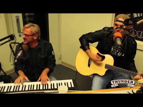 "Phil Vassar performs ""Carlene"" Live at Thunder 106"