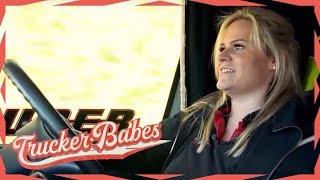 Männer lieben Christina! Schafft sie den Kreisverkehr zu asphaltieren? | Trucker Babes | kabel eins