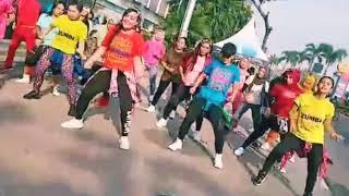Gambar cover Disana Menanti Disini Menuggu (Via Valen) Zumba Dance Fitness Choreo