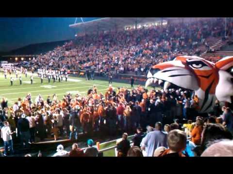 High School Football's Grand Entrance - YouTube