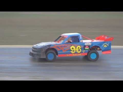 Pro Truck Feature Race at Crystal Motor Speedway, Michigan on 09-17-2017!!